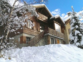 Chalet with 3 rooms in alpe d'huez, with wonderful mountain view and wifi