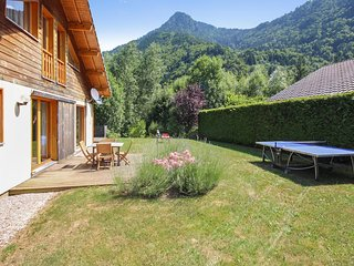 Bedroom chalet with mountain views in the rhone alpes region