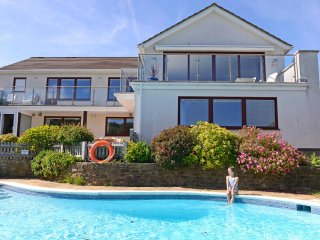 Fairways - stunning 4-bed house with pool and views of South Downs