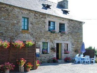 Maison de l'etang - House with 3 rooms in Jugon-les-Lacs, with garden and WiFi