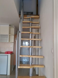 Starirs to loft space