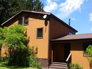 Evergreen Vista - Serene Country Estate in the Finger Lakes