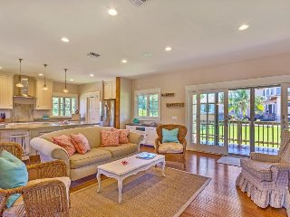Elegant home steps from Napili Bay w/ a beautiful balcony, lawn, & gas grill