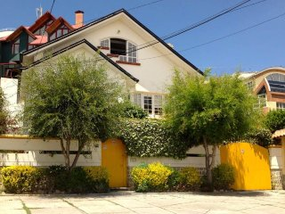 Casa Irusta - Beautiful Private Home in Bohemian Neighborhood, Sopocachi