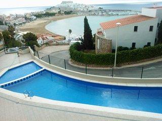 Apartamento 33, con estupendas vistas al mar, con piscina y aire acondicionado