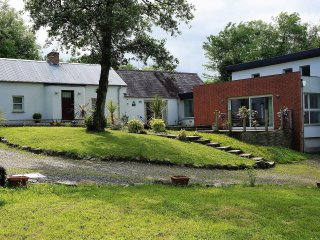 Tullybuck Cottage, Luxury 4-star rural self-catering cottage