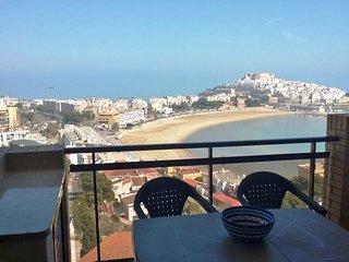 Apartamento 62, con estupendas vistas al mar, con piscina y aire acondicionado