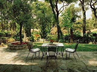 Evergreen Villa by JJ Hospitality