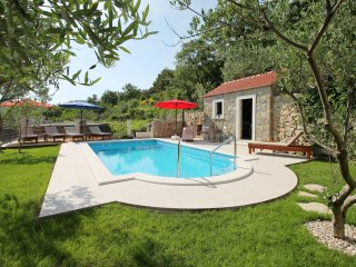 NEW!!! Villa Vultana, private pool 30m2, 3 bedrooms, 3 bathrooms, 8 persons max