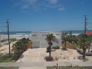 "Endless Summer, Amazing 4 Bedroom, Ocean Front, 60"" Flat Screen"