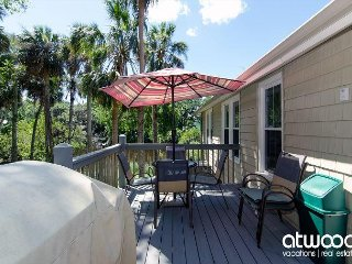'You Never Know * Edisto' - Cozy Classic Beach Cottage, Lagoon Location
