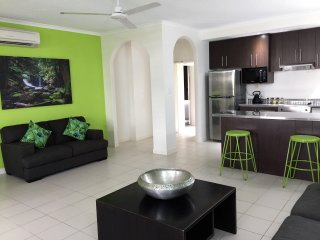 PALM COVE QLD ACCOMMODATION - 1 B/R POOL ACCESS APARTMENT