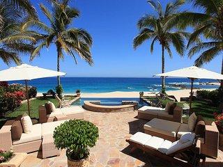 Beachfront Villa 471
