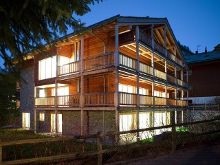 Chalet Amber - 3 Bedroom Duplex Apartment