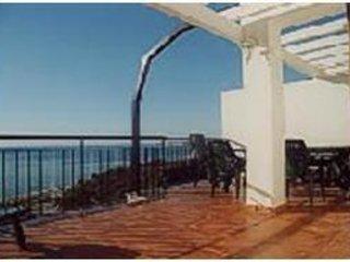 Precioso ático con vistas al mar, alquiler de vacaciones en Benalmádena