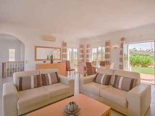 Villa Rosa, Private Pool, Private Garden, Air conditioned throughout