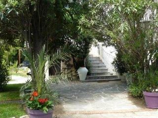T2 à Montpellier, très calme, avec véranda, dans résidence privée.