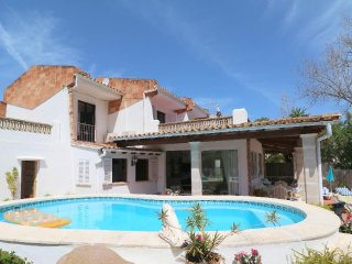 Lovely villa with four bedroom with separate annex, perfect for families.