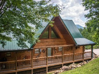 Family-friendly retreat w/ game room, hot tub, shared seasonal pool & fireplace