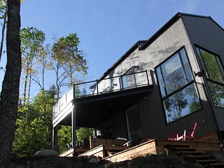 Cozy, sunny 3 bedroom chalet with spectacular view and spa