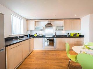 Inspired Exchange Quay - 3 Bedroom Executive Apartment
