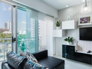 Luxury Condo Downtown Best Location