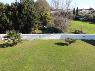 Villa bifamiliare in un contesto tranquillo e verde a poca distanza dal mare