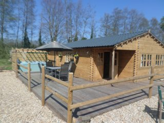 Bramble Lodge, Littlebourne, nr Canterbury (hot tub)