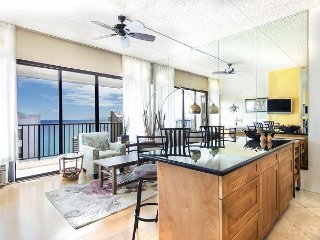 The Banyan 3804-Ocean View Penthouse Level Condo!
