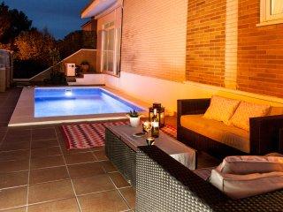 Villa Sitges  Carmen. A 5 minutes. Tres Bonne relation qualite/prix. Piscine.