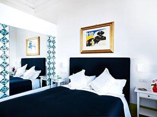 Donna Giulia, Luxury House