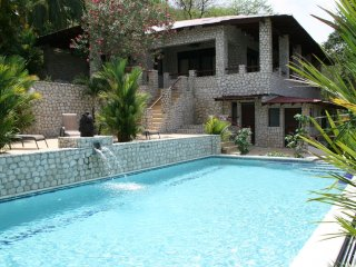 VILLAS CASA LOMA (Villa 5)  FLAMINGO BEACH'S BEST KEPT SECRET FOR OVER 30 YEARS