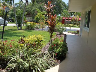 Immaculate / Upscale / Best Value / Lakefront / Central Location