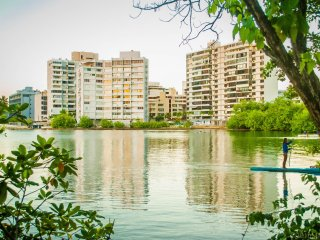 Condado Lagoon View Apartment at Miramar, Beach, Family, Night Life, Adventures!