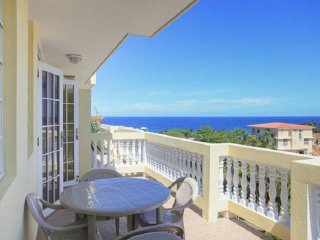 Villa 304  Walking Distance to Sandy Beach