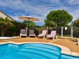 Ideal for families sharing, mins to sandy beaches, villa location