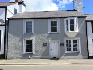 Return Again, charming cottage in great location