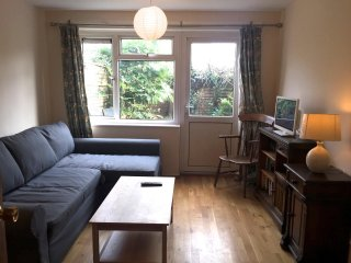 2-Bedroom Flat for Rent in Oxford