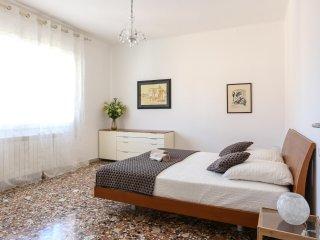 RENT-IT-VENICE Antony Apartment