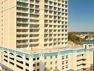 Carolina Grande Lovely 1 bedroom suite right across the street from the ocean!!!