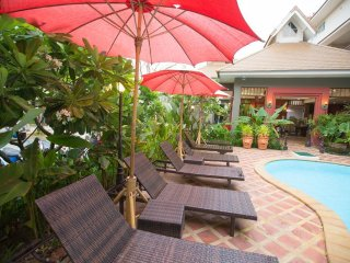 Chiang Mai Holiday Apartment
