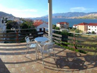 Discover Pag | PINE | Balcony, Sea views, 3mins to Beach, Wifi, Parking