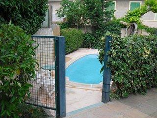 Centre ville aix T3 avec terrasse avec piscine