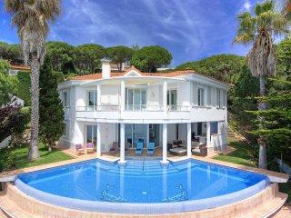 Villa in Costa Brava, 1st see line! Spain