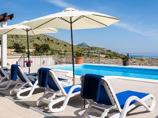 Luxury Villa Queen with private pool near Dubrovnik