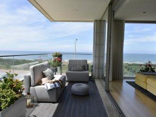 Oporto Sea House Experience