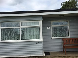 ...Homely 2 bed Chalet, Sunbeach, California sands, Great Yarmouth