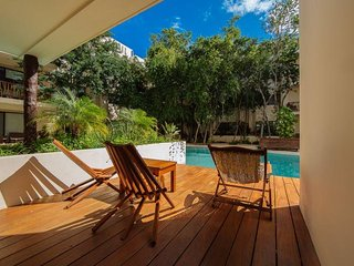 Private pool Access 2BR condo in Prana by Happy Address