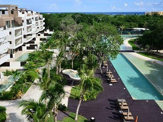 GRAND CORAL D309 Peaceful & Private Location Surrounded by Nature