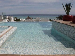 Comfortable 2BR Loft 300m from the beach by Happy Address
